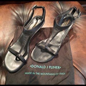 Donald Pliner Viana Black Leather Sandals